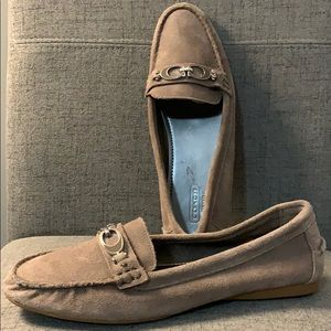 COACH FORTUNATA Tan Suede Loafers Size 9